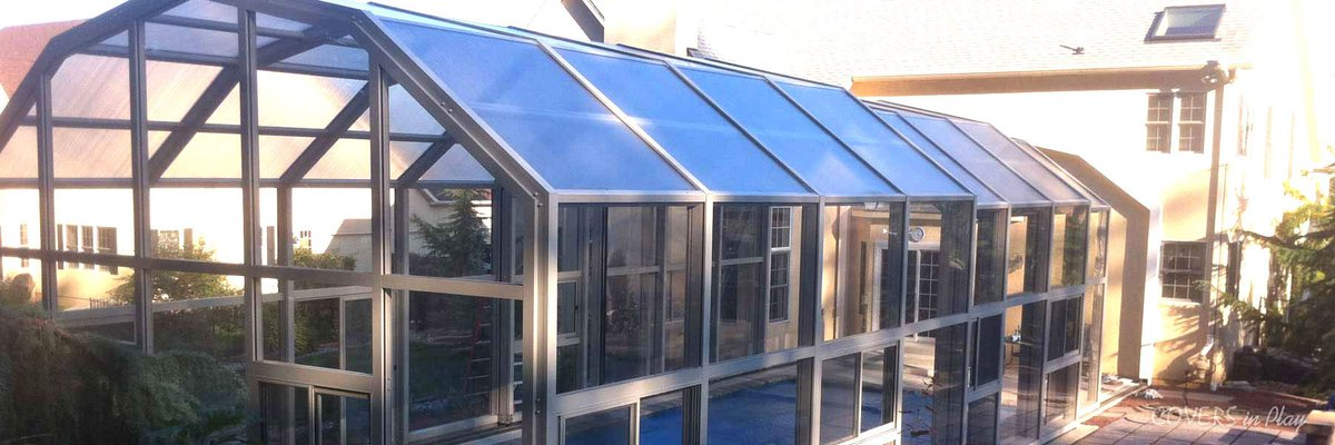 The Benefits of Glass Pool Enclosures