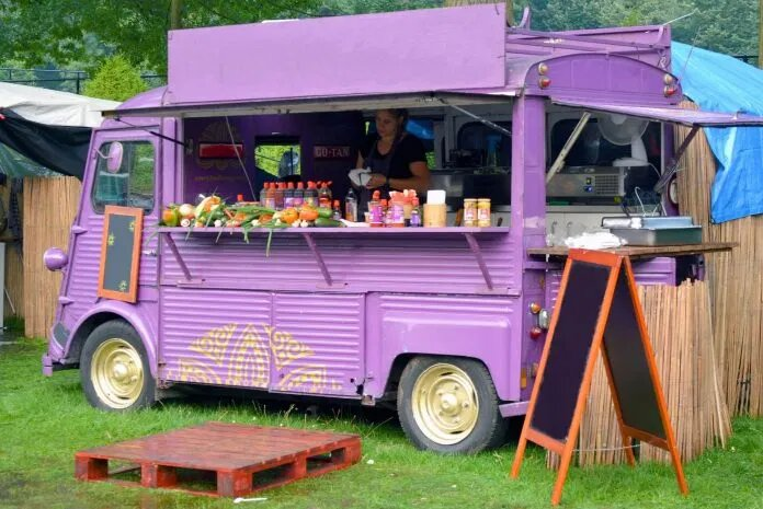How to Set up a Mobile Catering Business